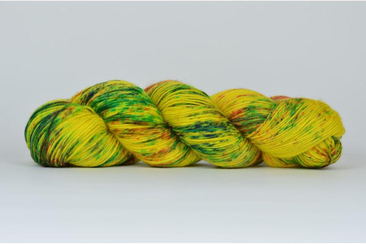 BellaYarn - wełna ręcznie farbowana - kolor 06