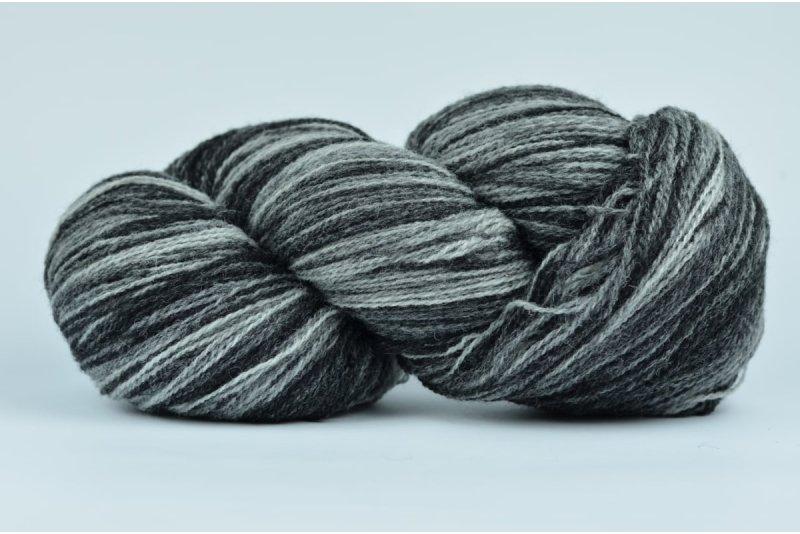 Wełna estońska 8/2 - BLACK&WHITE - 196g