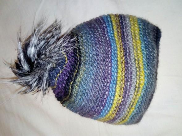 prosta czapka na drutach